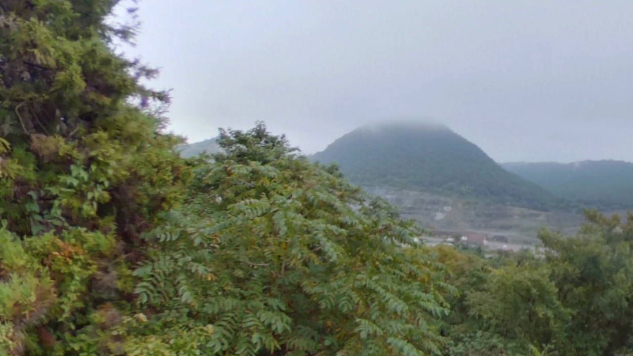 宇津野洞窟 洞窟外 山頂付近の展望台